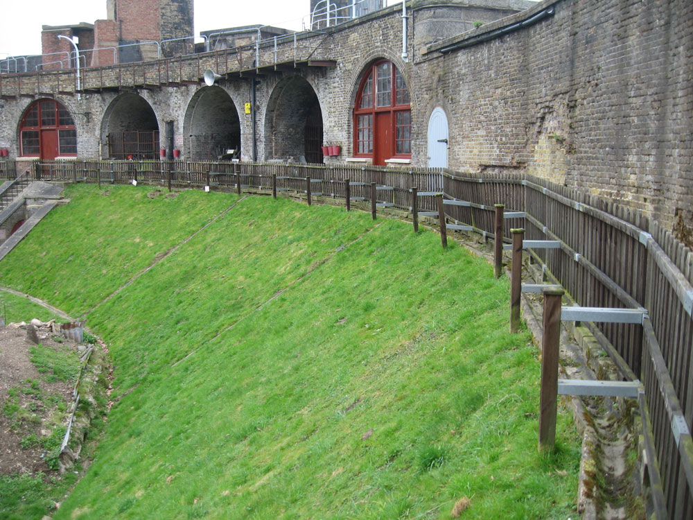 Existing-Fort-Balustrace-m